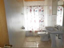 Spanisch course + accommodation in hostel bathroom